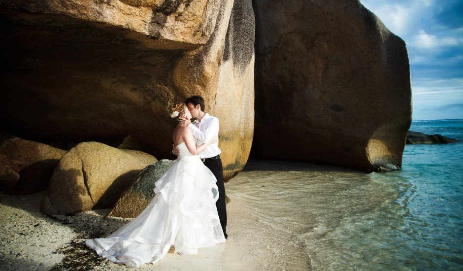 wedding-seychelles-beach-beautiful-places-moniquedecaro