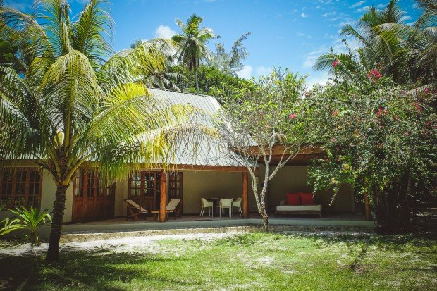 moniquedecaro-5807-denis-private-island