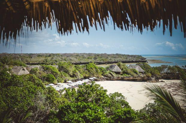 moniquedecaro-kenya-chale-island-046