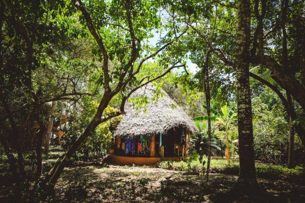 moniquedecaro-kenya-chale-island-093